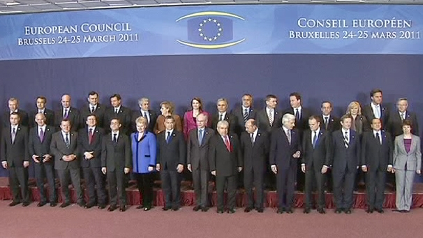img_606X341_europe-eu-summit-family-photo-2503