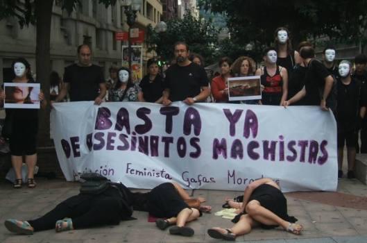 Foto concentración Bilbao. 13 agosto 2015. Fuente: Facebook Gafas Moradas