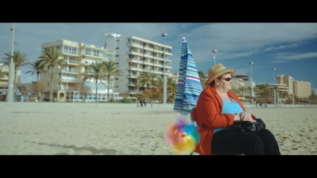 Annie, heroína suprema en 'Parasol' de Valéry Rosier